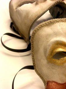 56 Let's Work Artisans! e le maschere di Carnevale